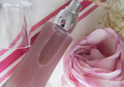 Recette : Spray coiffant disciplinant Rose & Ylang - Aroma-Zone