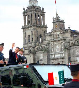 Encabeza Peña Nieto Desfile Militar del 204 Aniversario de la Independencia de México – El Heraldo de San Luis Potosi http://elheraldoslp.com.mx/2014/09/16/encabeza-pena-nieto-desfile-militar-del-204-aniversario-de-la-independencia-de-mexico/