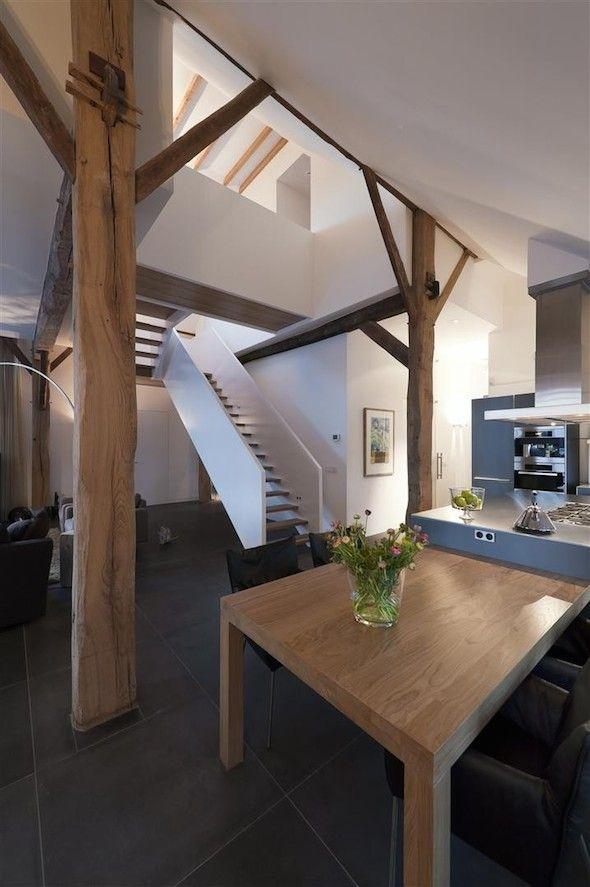 Interieur design by nicole & fleur  Kookeiland met lage tafel