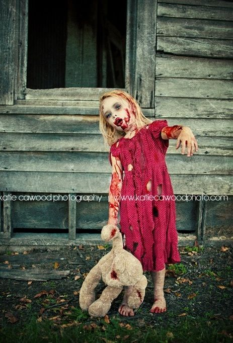 A Zombie affair for the whole family...#Dropdeadgorgeous #zombiefashionshow #zombiecrawl