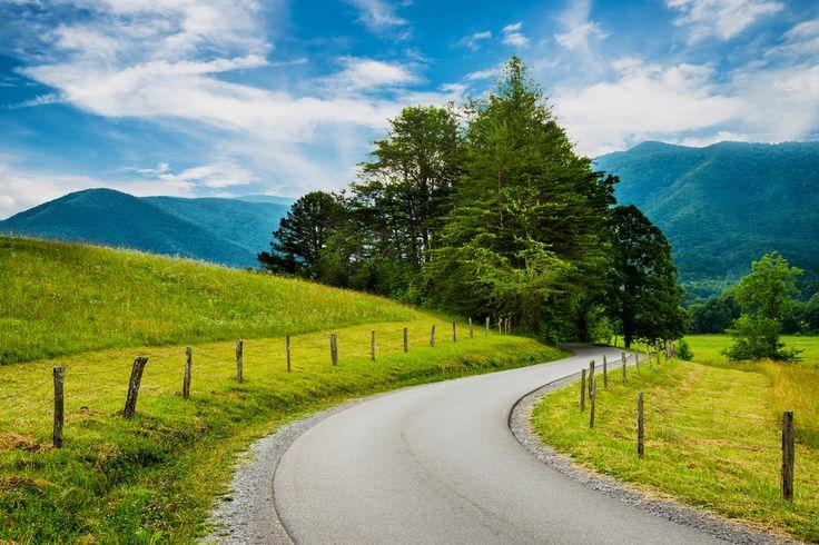 un road trip montagneux à travers la route de la chaîne des Appalaches, au…