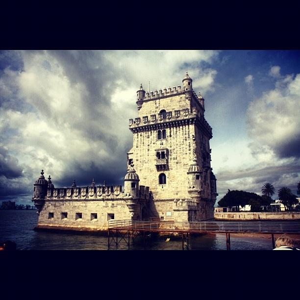 #lisbona #torre #belem #vacanze #2012 #happy #birthday #instaezz #instatag #instagood #instagram #lisboa #mare #sea #cloud