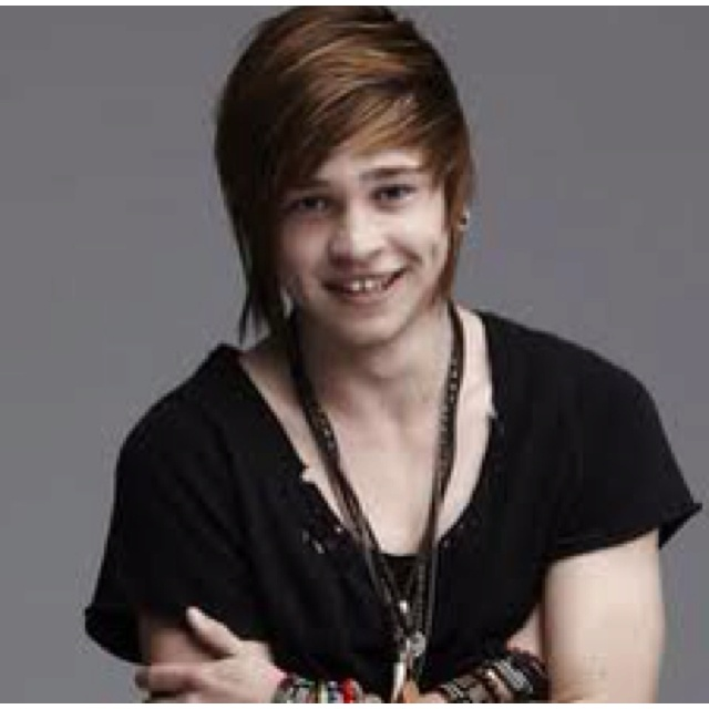 Reece Mastin wants to know if breaking up on Facebook is OK or crossing the line? Repin if you think it's #XTL. http://www.thehothits.com/news/37471/reece-mastin-plays-xtl---is-breaking-up-with-someone-on-facebook-ok-