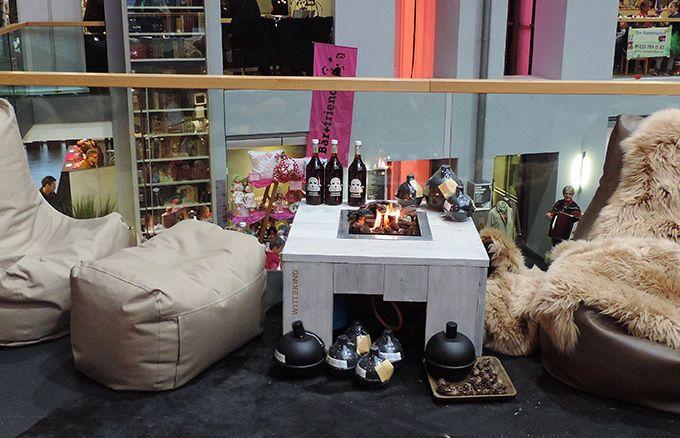 Lounge Tisch mit offenem Feuer » WITTEKIND Loungemöbel