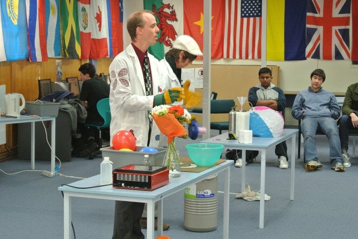 Chemestry can be fun! (ACG Senior College Chemestry Show 2013)