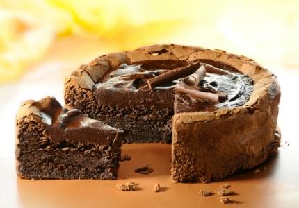 Ciasto czekoladowe. Kliknij w zdjęcie, aby poznać przepis. #ciasta #ciasto #desery #wypieki #cakes #cake #pastries
