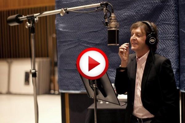 Paul McCartney - Kisses On The Bottom #art, #kissing, #videos, #pinsland, apps.facebook.com...