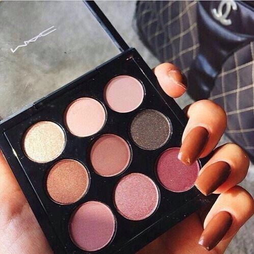 I don't support mac because they're not a cruelty free company, but I love the colors they offer. I wish I could I me cruelty free dupes for this palette.