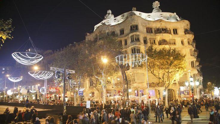 Eventos en Barcelona: 30 de noviembre - Shopping Night de Barcelona en Passeig de Gràcia. #AtipikaBarcelona #Barcelona #ShoppingNight