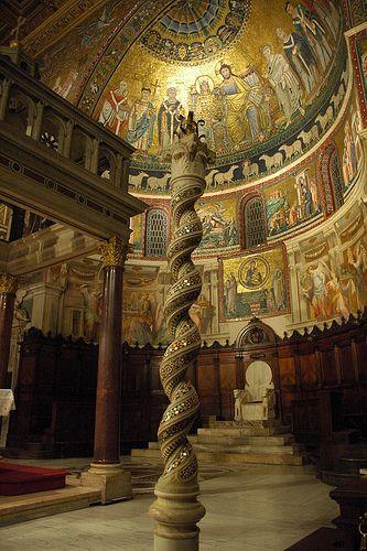 Interior de Santa Maria in #Trastevere http://www.viajararoma.com/iglesias-de-roma/santa-maria-in-trastevere/ #viajar #Roma