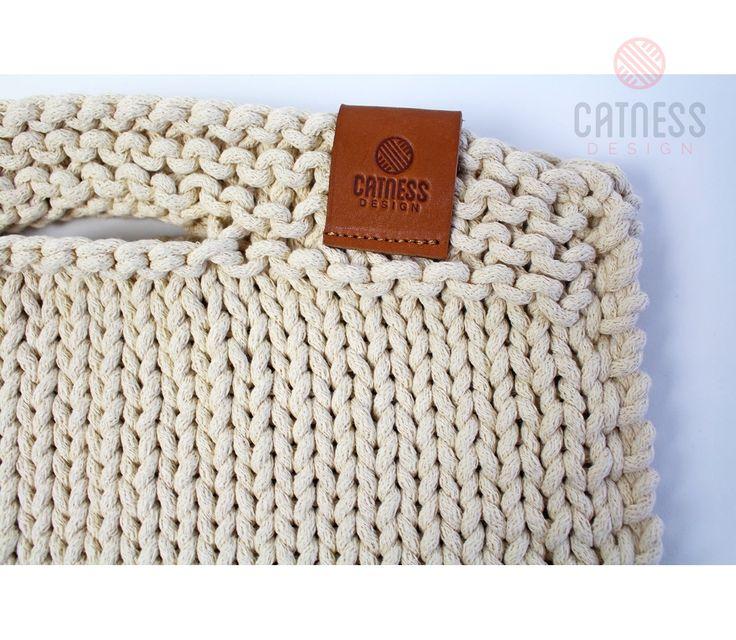 Hand-knitted purse B102 ivory | CatnessDesign