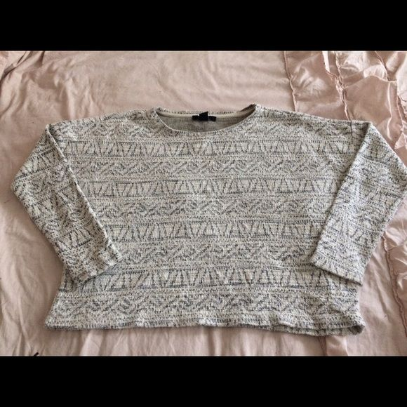 Aztec Jumper Sweater Very comfy and cute print  great for a comfortable casual look . Forever 21 Sweaters Crew & Scoop Necks
