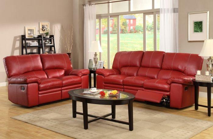 rotes sofa ovaler couchtisch luftige gardinen wohnzimmer