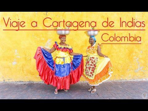 Palenqueras - Por las calles de Cartagena de Indias en Colombia ! http://aristofennes.com/calles-cartagena-de-indias-colombia/