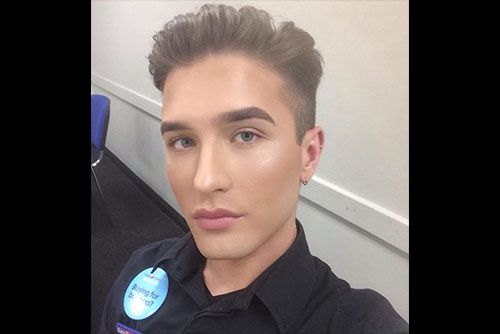 Man hits back at bosses for telling him to remove his make-up at work   20-Year-Old Scott Laplanche, from Wakefield, West Yorkshire in the U.K. says that whi