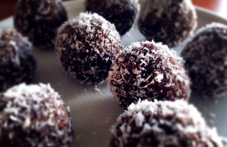 Dadel-kokos balletjes