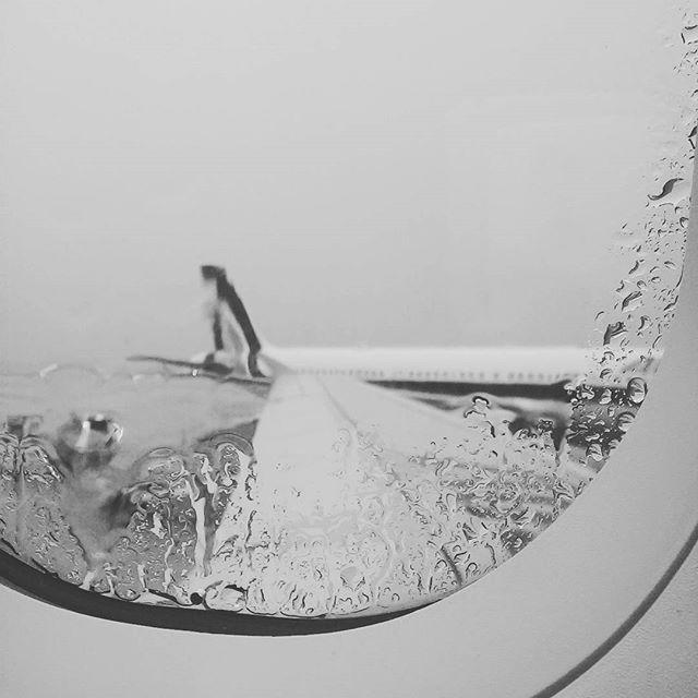 #alitalia #airplan #rain #fly #italy #window