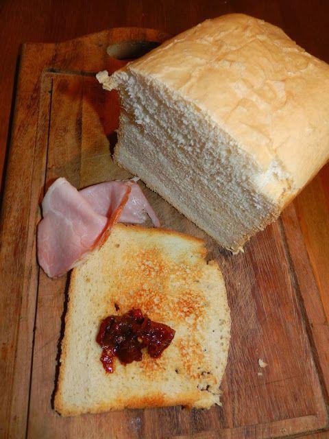 Chleb tostowy z maszyny do chleba