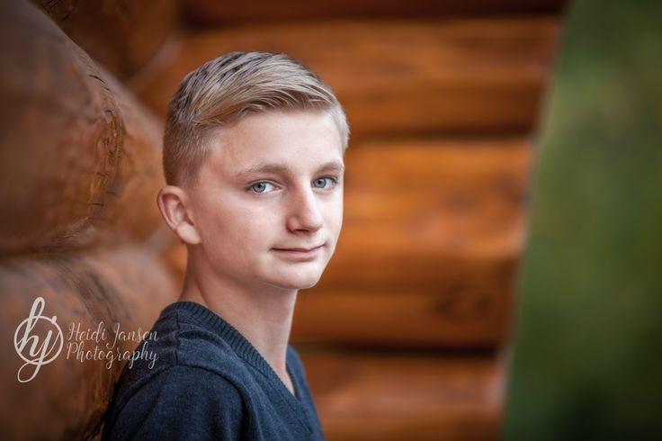 Heidi Jansen Photography. Senior portrait, young, boy, guy, outdoor