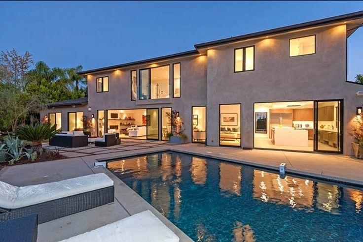 Predošlé luxusné bývanie Scotta Disicka.
