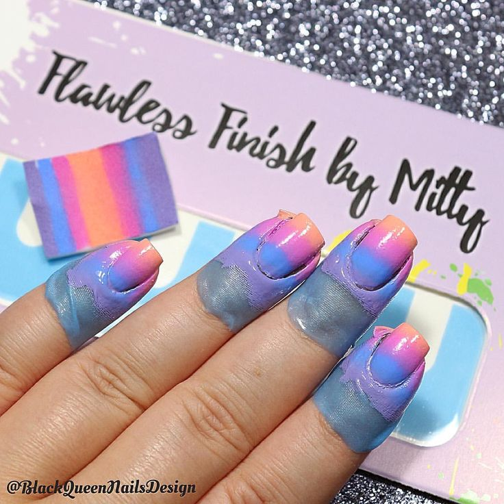 Mitty Flawless Finish tape by @mitty_burns ✨(with my code ✨bqueen10✨ you can get 10% off in your orders at www.mitty.com.au) . ~Consulta esta foto de Instagram de @blackqueennailsdesign • 1,238 Me gusta