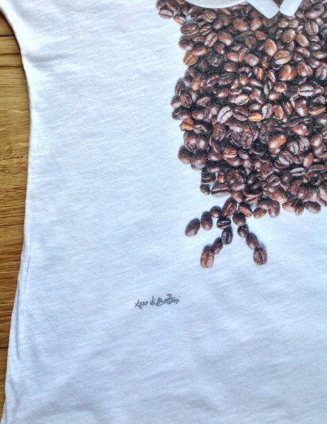Particolare civetta caffè http://www.assodibottoni.com/tshirt-maglietta-donna-civettacaffe.html
