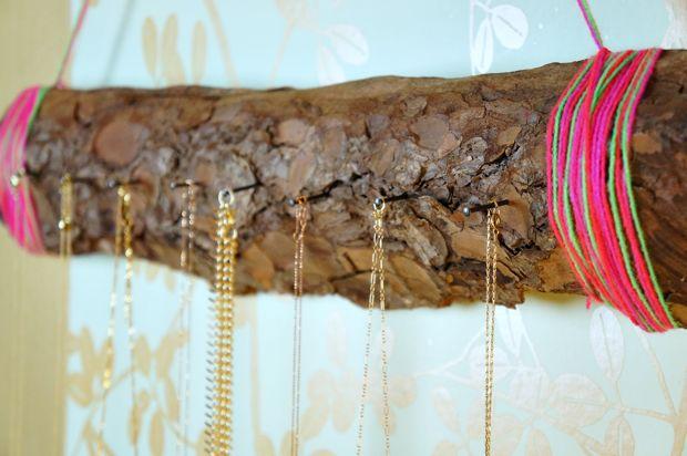 DIY jewelry display  tree bark   www.bykaro.nl for your jewelry making supplies