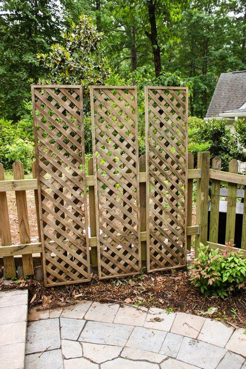 17 best ideas about lattice deck on pinterest lattice for Living screen fence