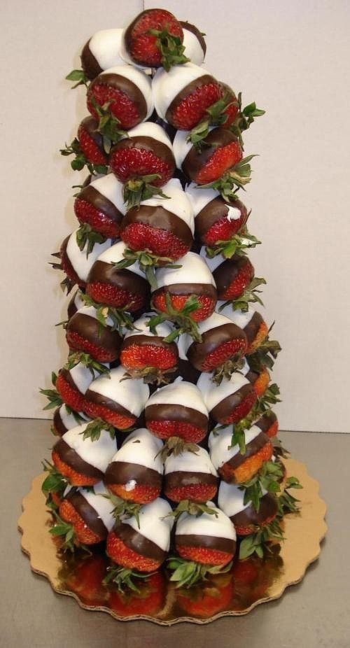 Chocolate Strawberry Christmas Tree