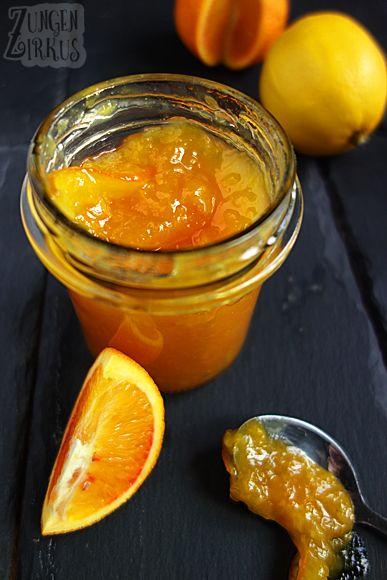 Diese Orangenmarmelade ist nicht so bitter wie das englische Original. Sie wird auch nicht aus Pomeranzen (Bitterorangen) gekocht, sondern aus normalen Orangen. Das Ergebnis ist fruchtig-süß und nur leicht herb.…