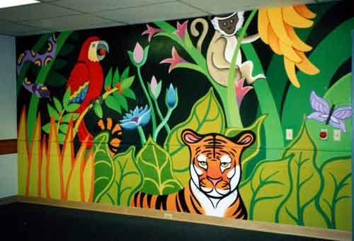 jungle mural i think the whole wall is a bit much but i love the tiger. roaarrr