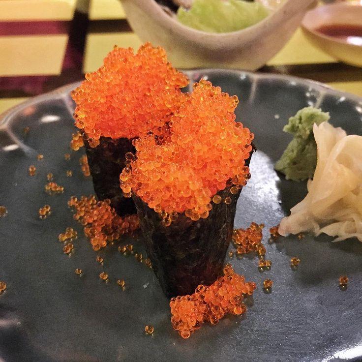 : Saturdate at Tomo Izakaya  Tobiko Sushi  #food #foodporn #yum #yummy #delicious #eat #best #favorite #eating #singapore #sg #local #dinner #stuffed #saturday #beef #crab #hotate #chicken #bacon #tomoizakaya #garlic #foodpics #bestoftheday #instagood #elganoid