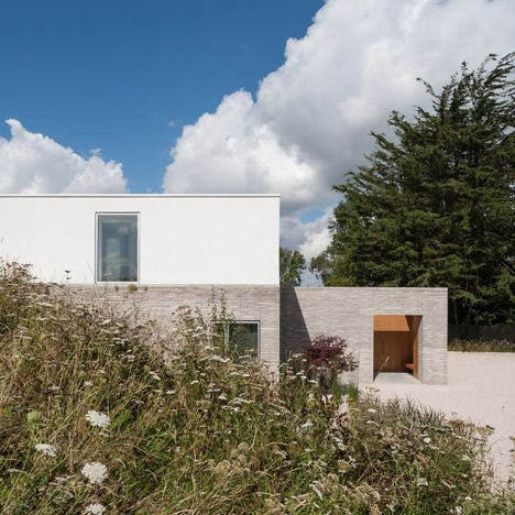 Broombank House In Suffolk By SOUP Architects   Light Brick Exterior