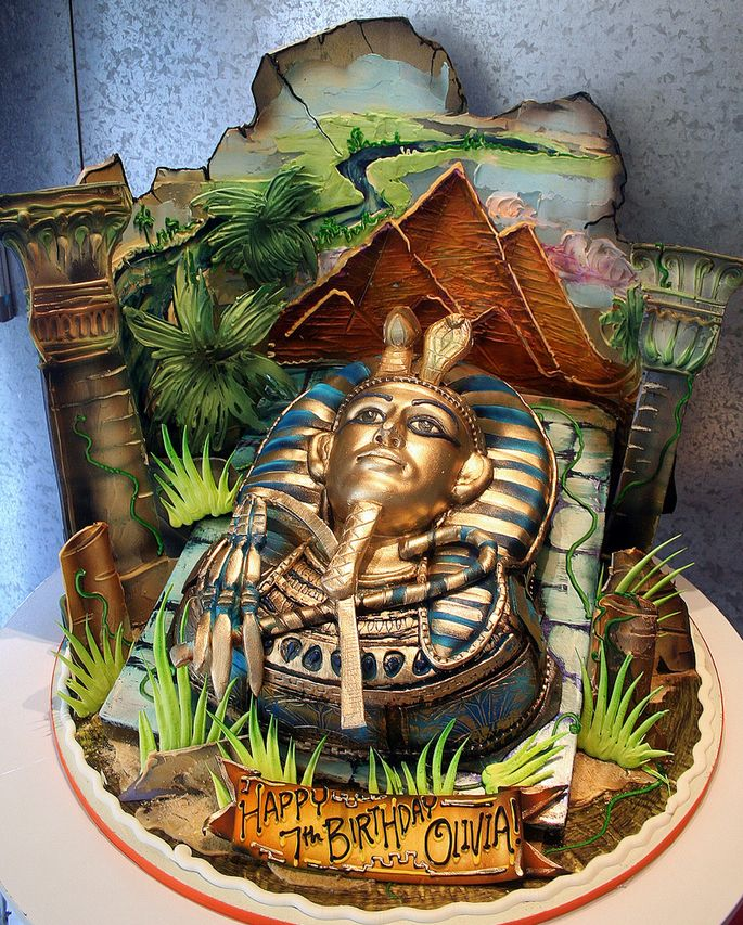 Tut In Egypt...3-D Cake As King Tut's Mask, Egypt In The