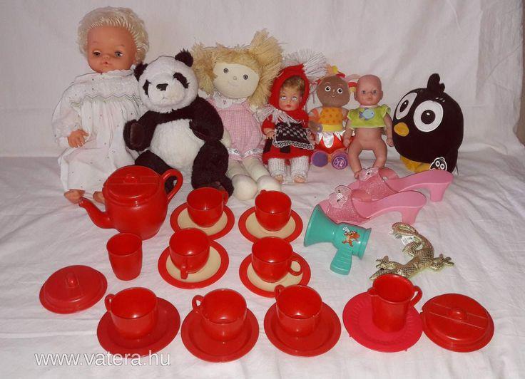 Kislány játékcsomag Étkészlet, plüssök, babák, jelmezcipő, hangszóró - 1500 Ft - Nézd meg Te is Vaterán - Vegyes játékcsomag - http://www.vatera.hu/item/view/?cod=2593509152