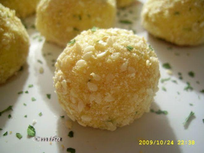 Rețetă Felul principal : Bulgarasi de cartofi cu branza de Miha278