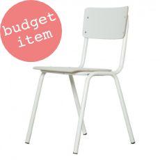 Grijze eettafel met verschillende witte stoelen - Shopinstijl.nl