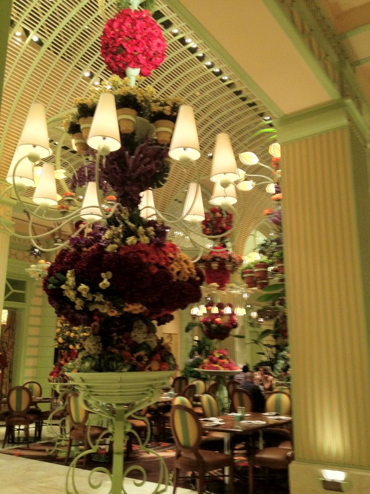 Dinner at the Buffet at The Wynn before seeing the show Le Rêve