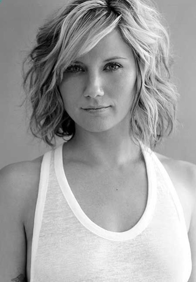 The lovely wavy hair which characterized this amazing hairstyle adds texture and glamour to this awesome bob cut.