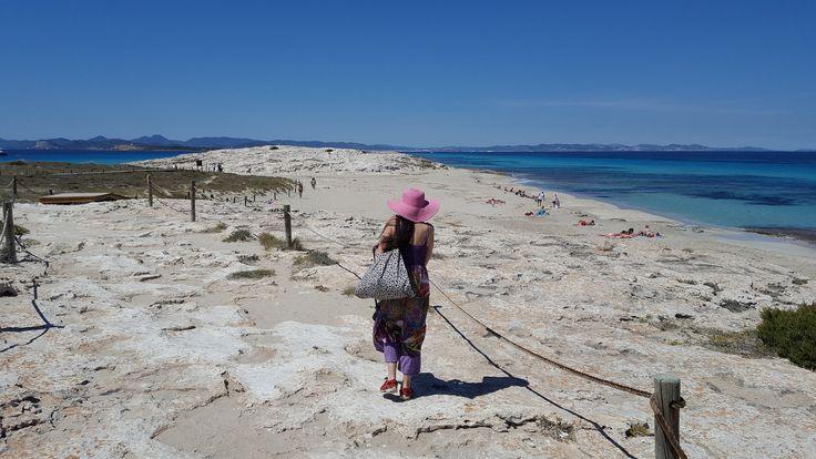https://flic.kr/p/Jqk9TM | Take Me Back  #Formentera #SesIlettes #playa  #beach #woman #girl