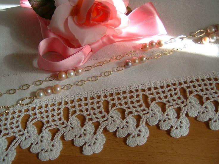 Pizzo per bordura all'uncinetto con fiori di rifinitura. Pizzo in cotone bianco. Crochet casa romantica. Shabby chic. Su ordinazione.