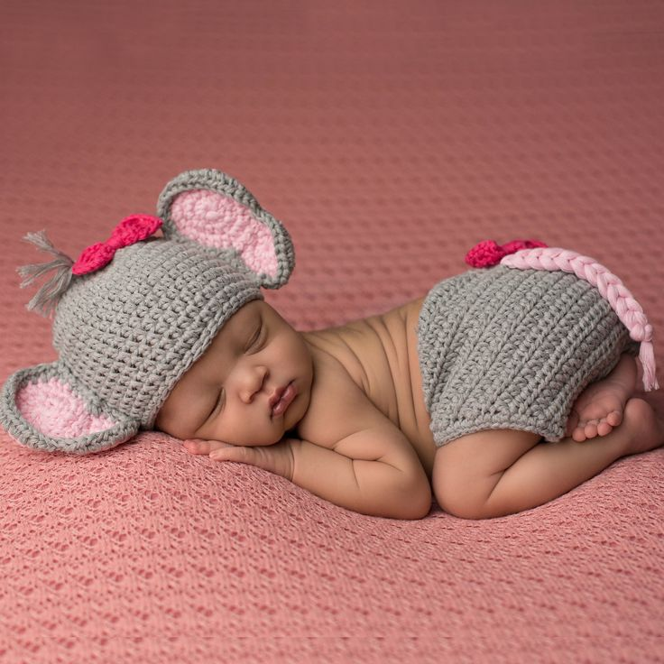 $22.99 This Bows and Elephants Hat and Diaper Cover Set for Newborn Girls from Melondipity is such a fabulous set! Do you love elephants or are you planning an elephant themed nursery? If so this would be a perfect pick for your newborn girl's first photos! This set makes a great newborn girl photography prop! I found this on www.melondipity.com