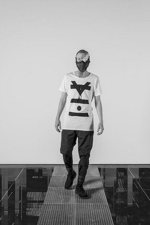 Trinitas – Volume VIII / Menswear / T-shirt / Pánské oblečení / Pánské tričko  #trinitas #tshirt #tricko #triko #white #fashion  http://www.urbag.cz/nemecka-znacka-trinitas-predstavuje-osmou-progresivni-kolekci/