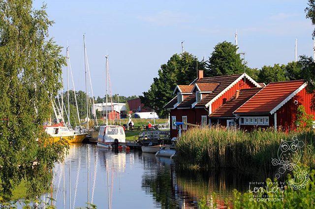 Figeholm #schweden #sweden #südschweden #southsweden #smaland #figeholm #port #hafen #boote #boats #landhäuser #cottages #schären #schärengarten #archipelago
