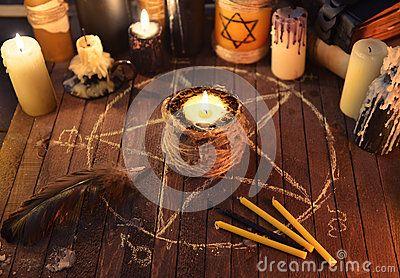 Schlechte Kerze im Pentagramkreis