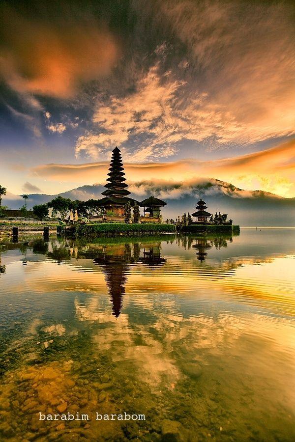 Pura Ulun Danu Bratan, or Pura Bratan, is a major Shivaite and water temple on the island of Bali, Indonesia. #Hindu #photography