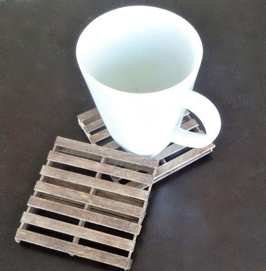 Porta-copos paletes é diferente, é útil e é muito interessante (Foto: cookinglikelou.com)