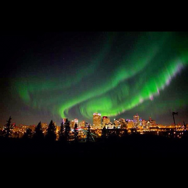 Edmonton, Alberta skyline with the northern lights