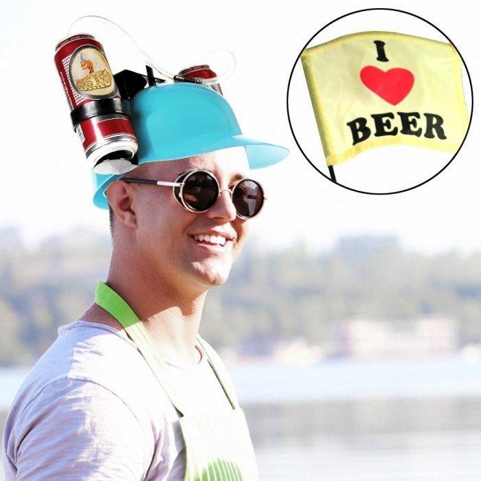 Mit dem witzigen Bier-Trinkhelm in Blau bist du der Star auf jeder Party und hast beide Hände für wichtigere Dinge frei! Mithilfe des blauen Partyhelms kannst du tatsächlich zwei Biere (oder jedes andere Getränk) gleichzeitig trinken.
