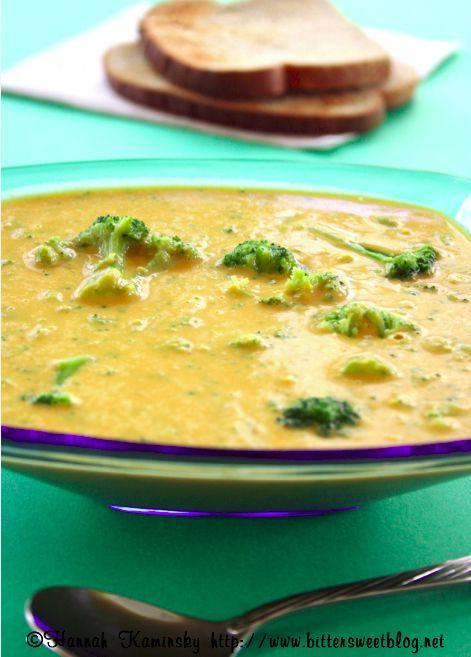 Cheesy Broccoli Soup (vegan)